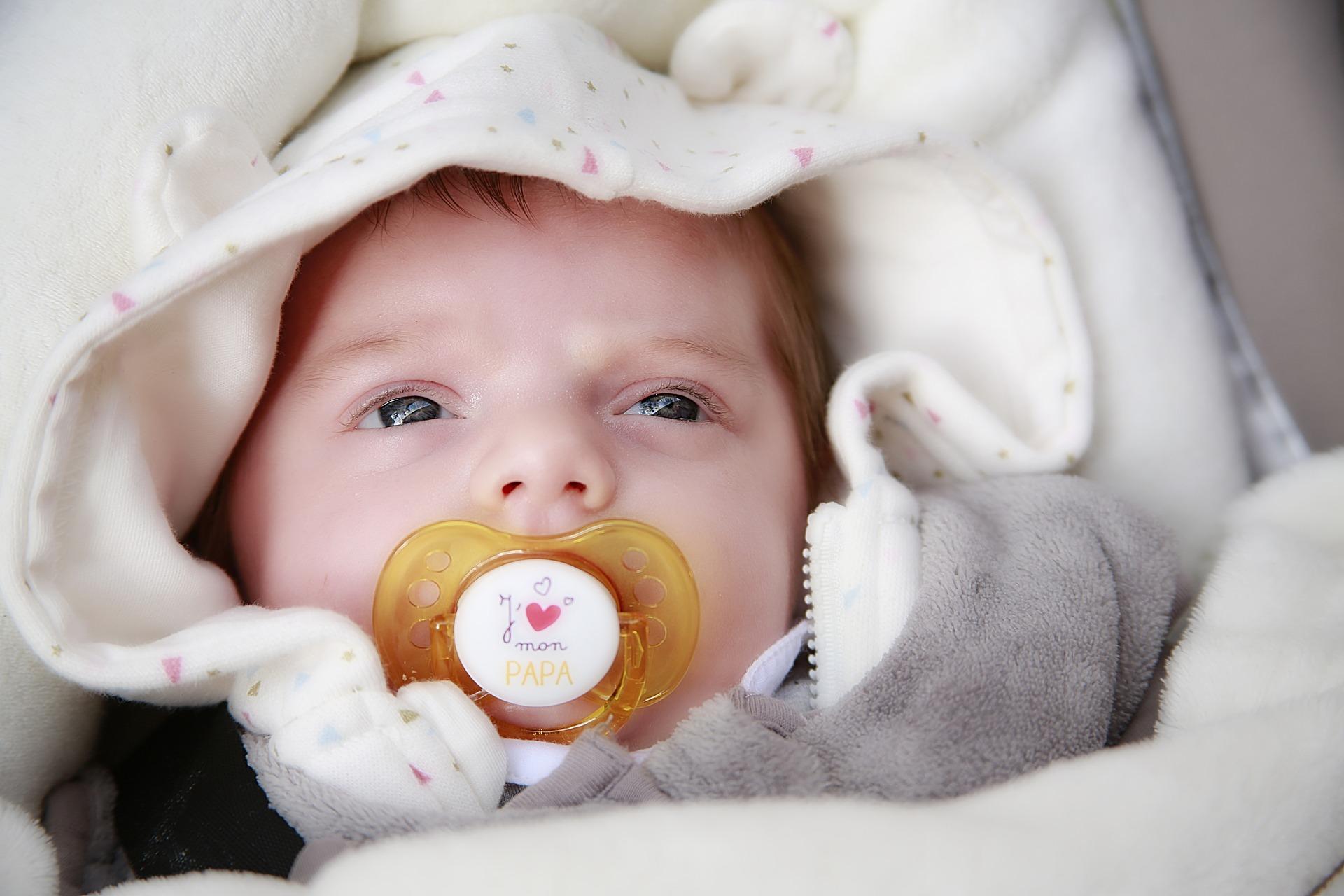 baby durchschlafen zeichen deuten ob ihr baby m de ist. Black Bedroom Furniture Sets. Home Design Ideas