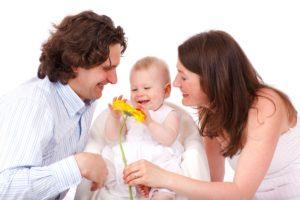Familie: Vater, Mutter und Baby